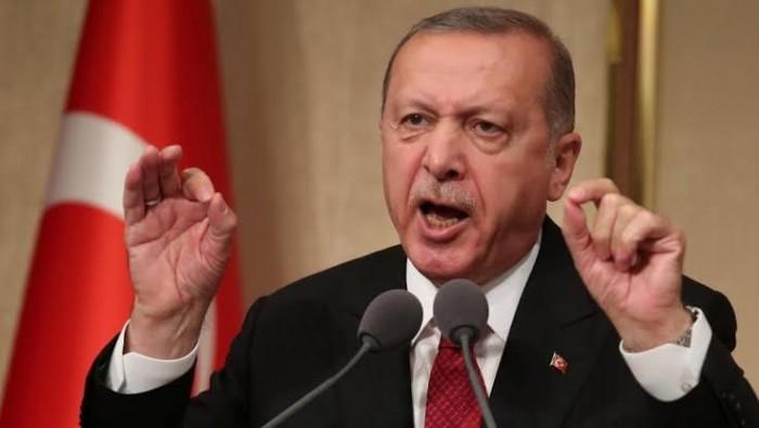 أردوغان يهدد باستئناف عمليته العسكرية بشمال سوريا إذا لم يُنفذ اتفاق الهدنة