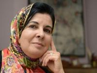 بعد مطالبتها بالمساواة في الميراث.. باحثة مغربية في الشؤون الإسلامية تخلع الحجاب