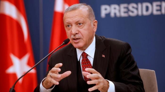 إعلامي: حرب أردوغان على سوريا انتهت به خاضعًا لأمريكا