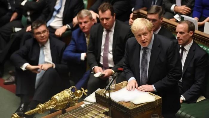 بغالبية 322 صوتا.. العموم البريطاني يرفض طلب الحكومة بشأن البريكست