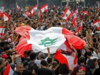 المتظاهرون في لبنان يدعون إلى إضراب عام والنزول إلى الشوارع