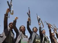 """المليشيات تنهب """"الجيوب"""".. نحالو ذمار يكابدون القمع الحوثي"""