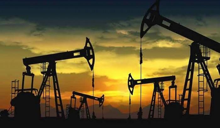 أسعار النفط ترتفع 1.3% بدعم آمال التجارة