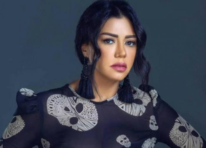 رانيا يوسف تستعرض رشاقتها بفيديو جديد من الجيم