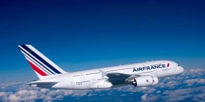 """""""هاتف"""" يثير الذعر ويجبر طائرة فرنسية على تغيير مسارها"""