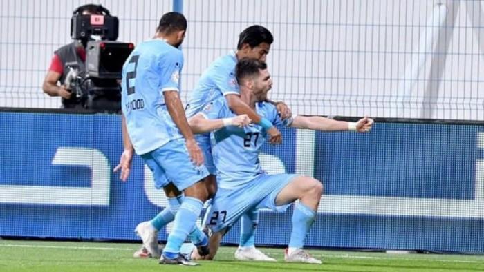 الشارقة يقلب تأخره لتعادل درامي مع حتا في الدوري الإماراتي