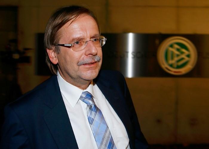 الاتحاد الألماني يدعم كوخ للترشح لمنصبي الفيفا واليويفا