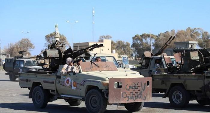 مليشيات مصراتة الإرهابية تنسحب من طرابلس.. والجيش الليبي يعلّق