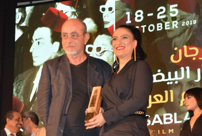 فاطمة بناصر تحصد جائزة أحسن دور نسائي بمهرجان الدار البيضاء (صور)