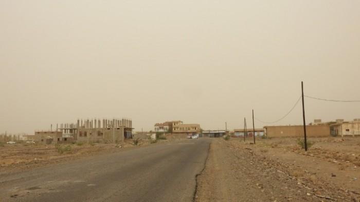 مليشيات الحوثي تستهدف مواقع القوات المشتركة في حيس