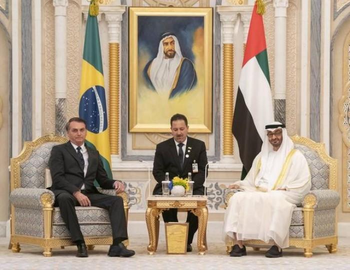 ولي عهد أبو ظبي يناقش العلاقات الثنائية مع الرئيس البرازيلي  بالإمارات