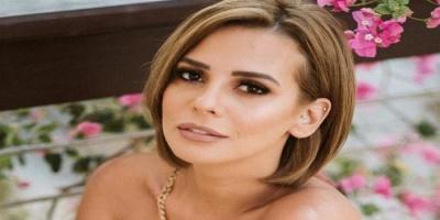 إيمان العاصي توجه رسالة حب لجمهورها