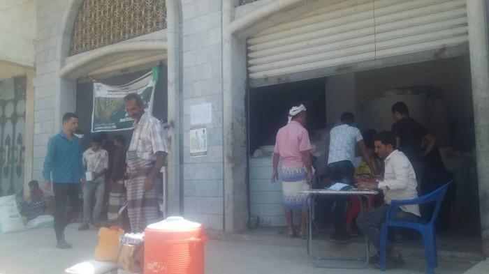 بتمويل من أدرا.. توزيع مساعدات غذائية بمركزي الثمير والربوة