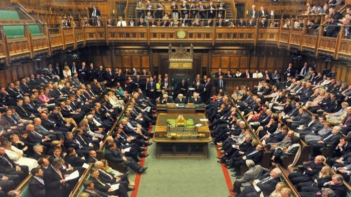 البرلمان البريطاني يرفض دعوة رئيس الوزراء لإجراء انتخابات مبكرة