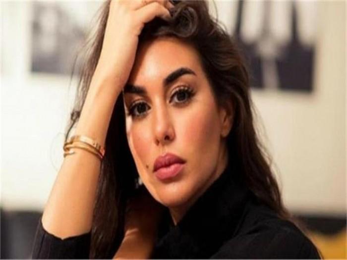 ياسمين صبري تحذر جمهورها من هذا الأمر