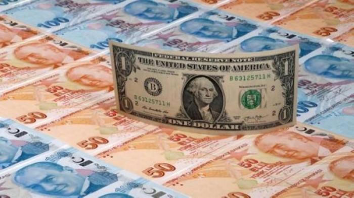 الليرة التركية تفقد نحو 0.2% من قيمتها أمام الدولار