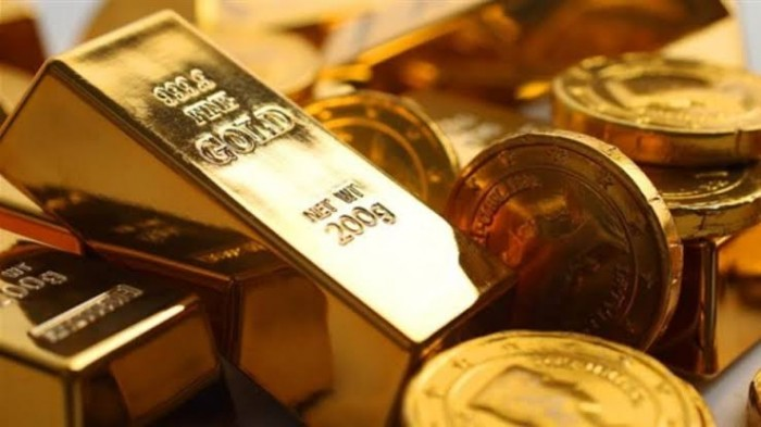 الذهب يقفز 1% مع تراجع الدولار