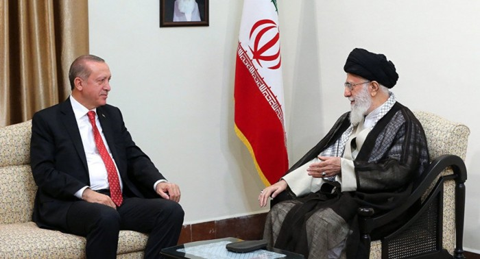 سياسي سعودي: أردوغان وخامنئي أعداء للعرب