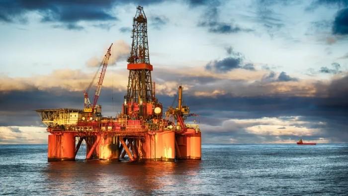 ارتفاع أسعار النفط تزامنًا مع تقدم محادثات التجارة بين أمريكا والصين