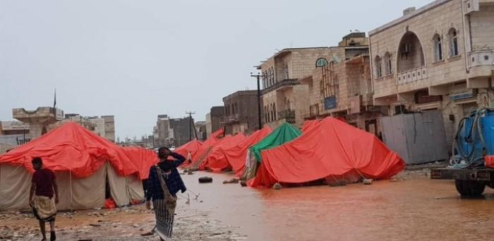 بالتزامن مع وصول كيار.. عواصف رعدية وأمطار تضرب سقطرى (صور)