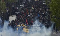 إصابة 100 متظاهر فى العراق بعد تفريق اعتصام بالبصرة