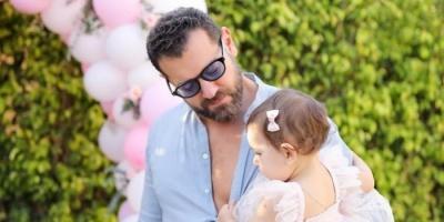 """في عيد ميلادها الأول.. عمرو يوسف يبعث هذه الرسالة لابنته """"حياة"""""""