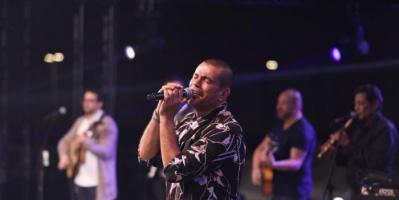 بالصور.. عمرو دياب يتألق بحفل مركز المنارة