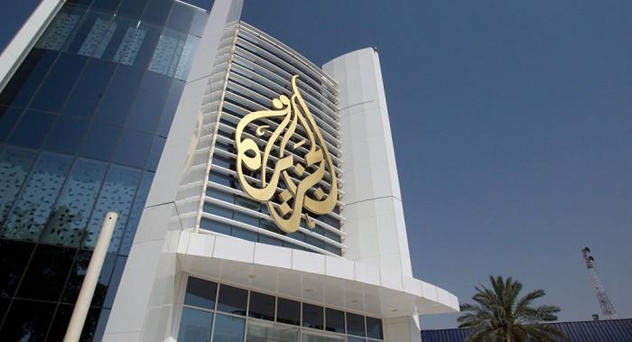 إعلامي يُجيب.. ما سبب تجاهل الجزيرة لثورات العراق ولبنان؟