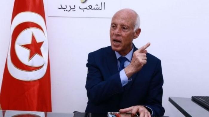 الرئيس التونسي يعتزم مقاضاة أشخاصًا يديرون صفحات وهمية بإسمه