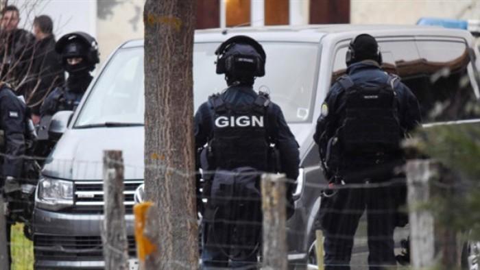 """الأمن الفرنسي يعثر على أكثر من 30 مهاجرا غير شرعيا داخل شاحنة بـ""""نيس"""""""