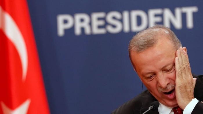 إعلامي يُجيب.. ماذا يفعل نظام أردوغان بالمعارضين لغزو سوريا؟