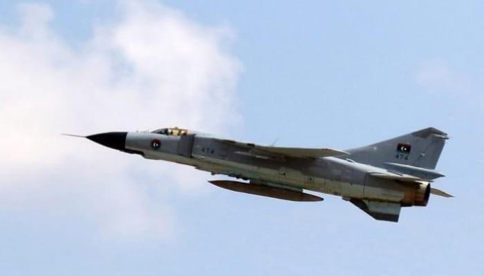 غارة جوية للجيش الليبي على مطار معيتيقة الدولي في طرابلس