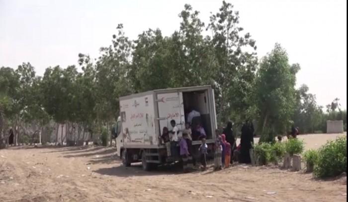 العيادات المتنقلة للهلال الإماراتي تستقبل 80 حالة مرضية في الدريهمي  (فيديو)