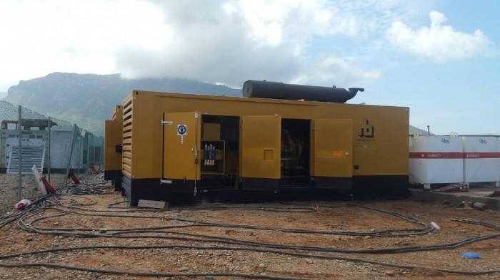 دعم إماراتي جديد لقطاع الكهرباء في سقطرى (صور)