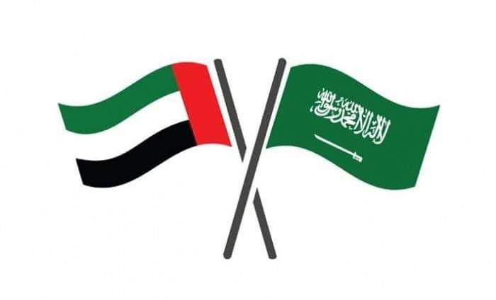 السعودية والإمارات.. تعانق إنساني باليمن يعكس التوافق السياسي