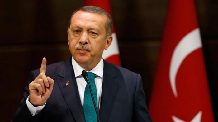 مدون سعودي: أردوغان سمح للحوثة بالتظاهر ومنع العراقيين من ذلك!