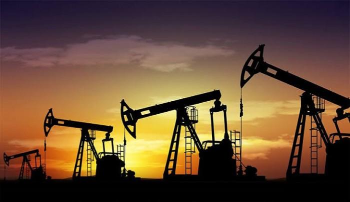 أسعار النفط تنخفض في نهاية تعاملات الأربعاء