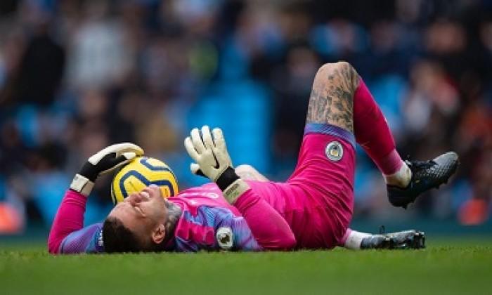 الإصابة تهدد مشاركة إيدرسون أمام ليفربول