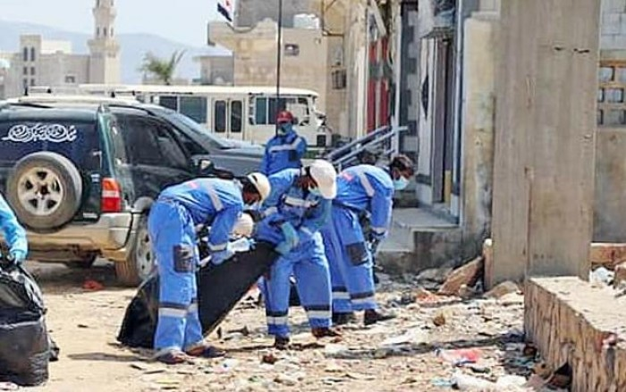 بدعم إماراتي.. حملة نظافة موسعة للشارع العام بمدينة حديبو بسقطرى (صور)