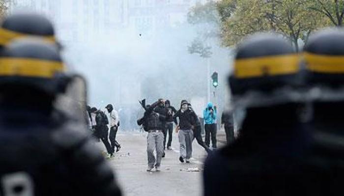 باريس: ضابطان فرنسيان يواجهان المحاكمة بتهمة استخدام العنف ضد المتظاهرين