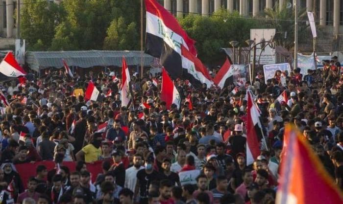 مصرع 8 أشخاص وإصابة 150 آخرين خلال فض اعتصام أمام مبنى محافظة البصرة بالعراق