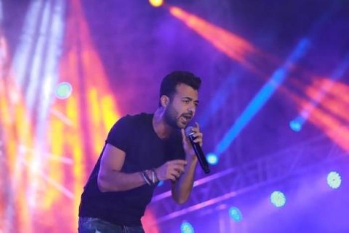 هيثم شاكر يتألق في حفله الأخير بالقاهرة (صور)