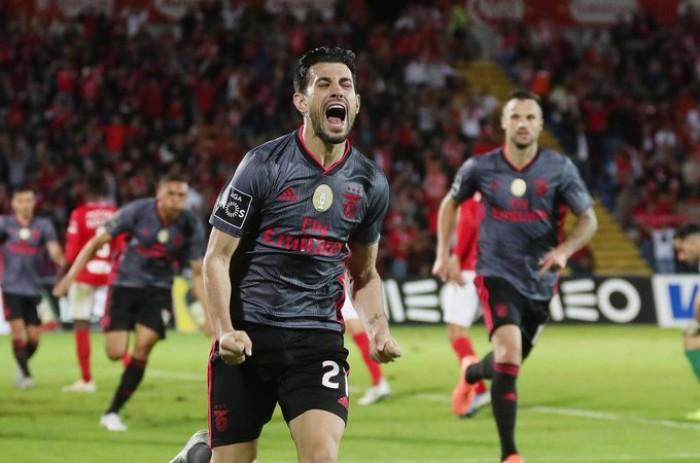 بنفيكا يقلب تأخره أمام سانتا كلارا ويهزمه بهدفين في الدوري البرتغالي