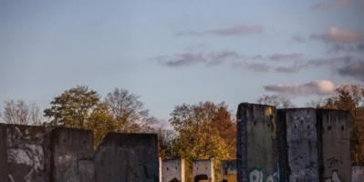 """مبرمج ألماني يبتكر تطبيق لإحياء """"حائط برلين"""""""