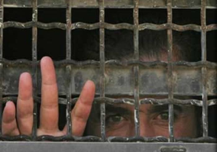 """شئون الأسرى الفلسطينين: 8 أسرى يعانون في سجن """"عسقلان"""" من ظروف معيشية صعبة"""