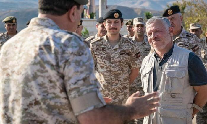 العاهل الأردني وولي العهد يزوران منطقة الباقورة بعد إستعادة السيطرة عليها