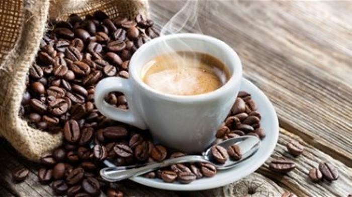احتجاجات شعبية سويسرية بعد إعلان الحكومة تخفيض المخزون الاحتياطي للقهوة