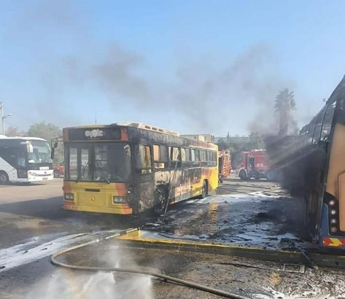 صواريخ المقاومة الفلسطينية تسقط على محطة للحافلات المركزية الإسرائيلية