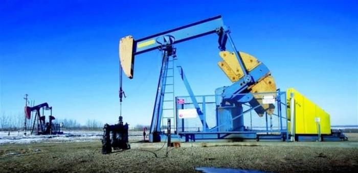 النفط يهبط بسبب توقعات سلبية لإبرام اتفاق تجاري بين أمريكا والصين