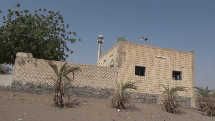 مساجد ومساكن تحت آلة القصف الحوثي في التحيتا (فيديو)